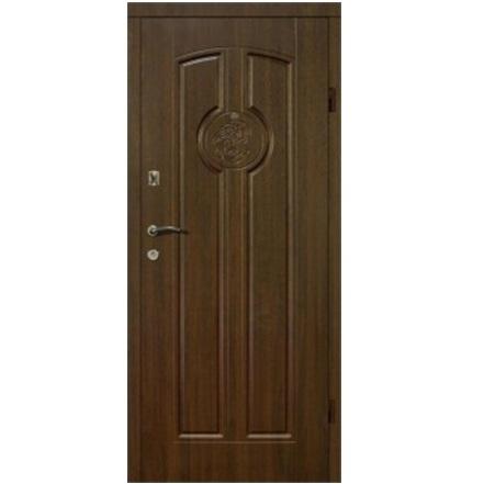 Входная дверь коричневая узор